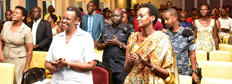 First lady lauds young generation's involvement in church